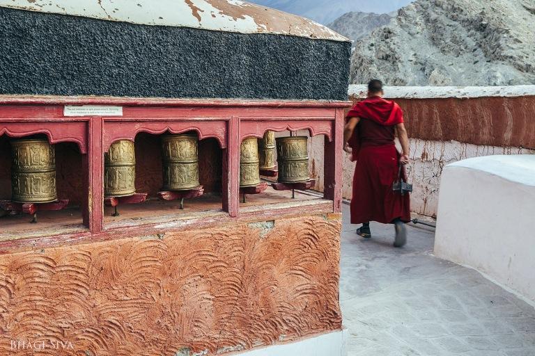 ladakh monastery, ladakh, thiksey monastery, ladakh scenery, landscapes ladakh, buddhist monks, himalayan ranges